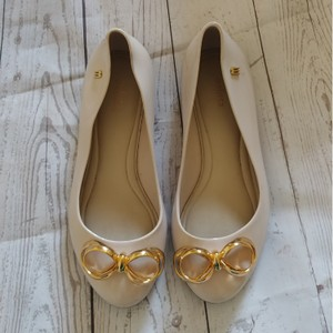 Melissa Cream and black with gold bow detail Flats