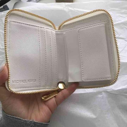 Michael Kors Michael Kors Small Zip Wallet