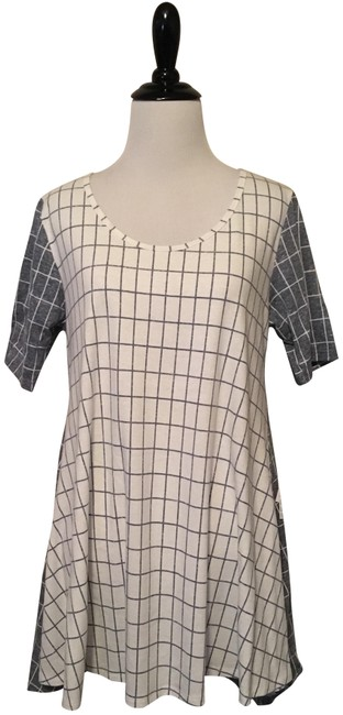 Preload https://item3.tradesy.com/images/lularoe-white-and-grey-perfect-t-blouse-size-2-xs-23007487-0-1.jpg?width=400&height=650