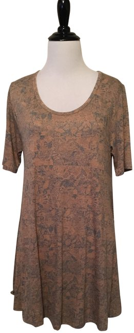 Preload https://item5.tradesy.com/images/lularoe-gold-and-blue-perfect-t-blouse-size-2-xs-23007494-0-1.jpg?width=400&height=650