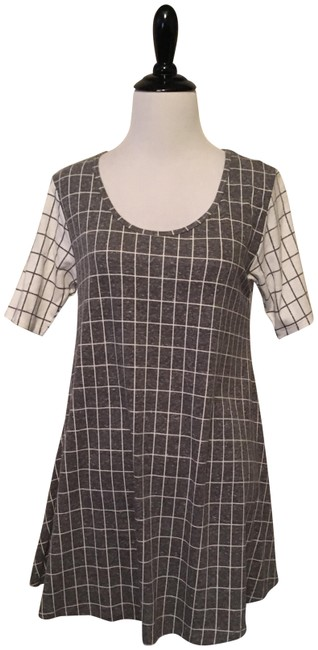 Preload https://item3.tradesy.com/images/lularoe-grey-and-cream-perfect-t-blouse-size-00-xxs-23007507-0-1.jpg?width=400&height=650