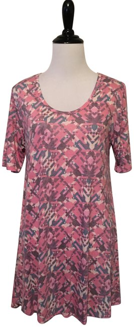 Preload https://item2.tradesy.com/images/lularoe-pink-and-grey-perfect-t-blouse-size-00-xxs-23007516-0-1.jpg?width=400&height=650
