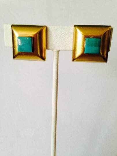 Neiman Marcus NWOT Square Cut Turquoise Gemstone In 14kt Gold Clip Earring