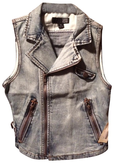 Preload https://img-static.tradesy.com/item/23007612/david-kahn-denim-vest-size-6-s-0-1-650-650.jpg