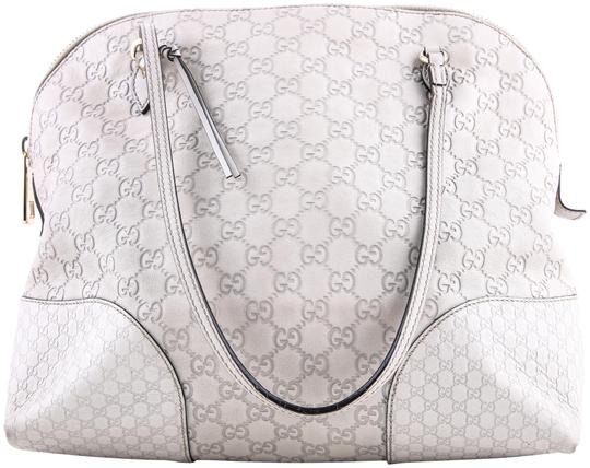 Preload https://img-static.tradesy.com/item/23007648/gucci-bree-guccissima-light-grey-leather-shoulder-bag-0-1-540-540.jpg