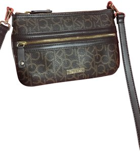 f5d35048f Nylon Calvin Klein Cross Body Bags - Up to 70% off at Tradesy