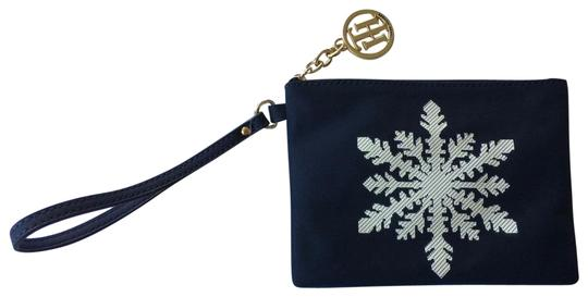 Preload https://item2.tradesy.com/images/tommy-hilfiger-holiday-snowflake-navy-blue-nylon-wristlet-23007801-0-1.jpg?width=440&height=440