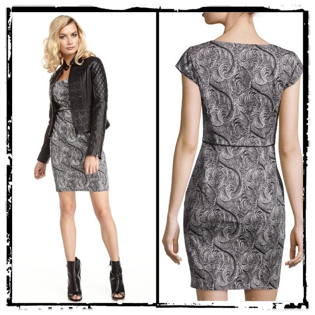 Preload https://img-static.tradesy.com/item/23007834/marchesa-voyage-black-and-white-feather-printed-cap-sleeve-workoffice-dress-size-8-m-0-0-650-650.jpg