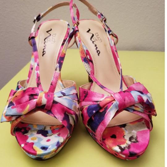 Preload https://img-static.tradesy.com/item/23007864/touch-of-nina-fantasy-floral-pumps-size-us-65-regular-m-b-0-3-540-540.jpg