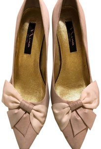 Nina Shoes ivory Pumps