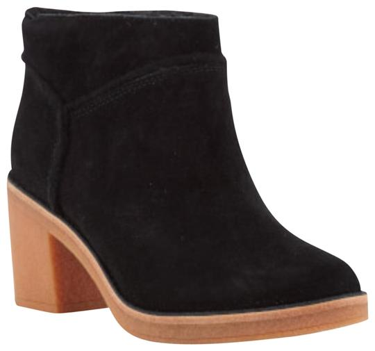 Preload https://img-static.tradesy.com/item/23008216/ugg-australia-black-kasen-bootsbooties-size-us-8-regular-m-b-0-1-540-540.jpg