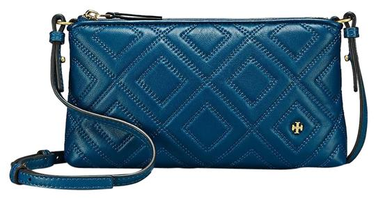Preload https://img-static.tradesy.com/item/23008345/tory-burch-fleming-symphony-blue-leather-cross-body-bag-0-1-540-540.jpg