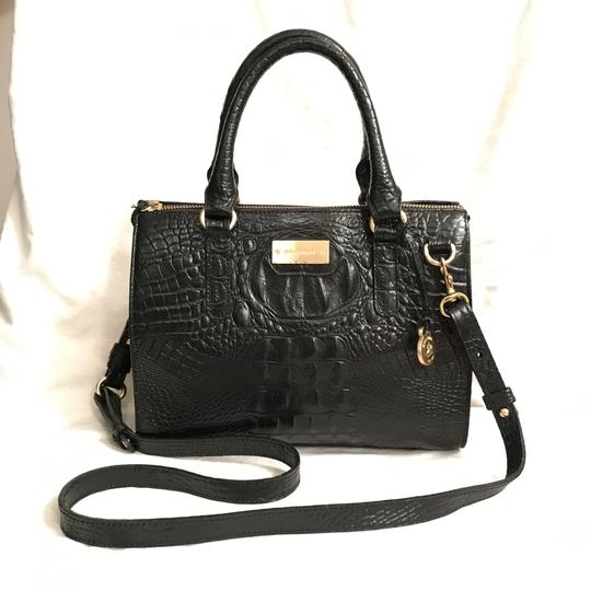 Preload https://img-static.tradesy.com/item/23008348/brahmin-croc-embossed-anywhere-convertible-black-leather-satchel-0-0-540-540.jpg