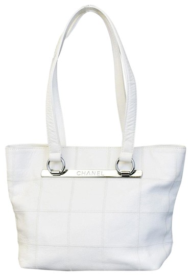 Preload https://item2.tradesy.com/images/chanel-timeless-leather-white-caviar-tote-23008656-0-1.jpg?width=440&height=440