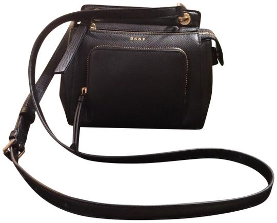 Preload https://item4.tradesy.com/images/dkny-nwot-bryant-in-black-with-gold-hardware-soft-pebbled-leather-cross-body-bag-23008788-0-1.jpg?width=440&height=440