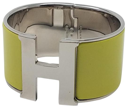 Preload https://img-static.tradesy.com/item/23008971/hermes-green-silver-palladium-plated-clic-h-xl-bracelet-0-2-540-540.jpg