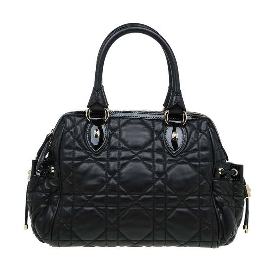 Preload https://img-static.tradesy.com/item/23008996/dior-cannage-quilted-black-leather-satchel-0-0-540-540.jpg