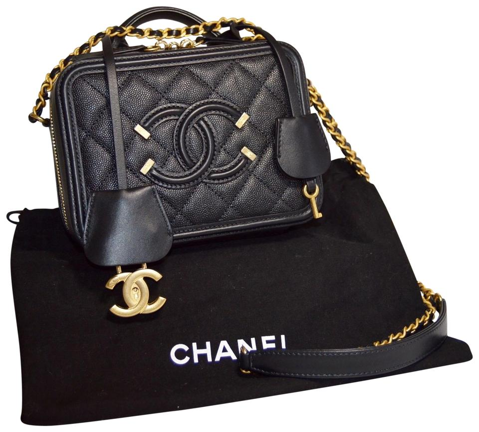 ae081d63127c Chanel Vanity Filigree Caviar Leather Cc Logo Chain Cross Body Bag Image 0  ...