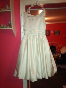 David's Bridal Ivory Junior Bridesmaid/flower Girl Dress