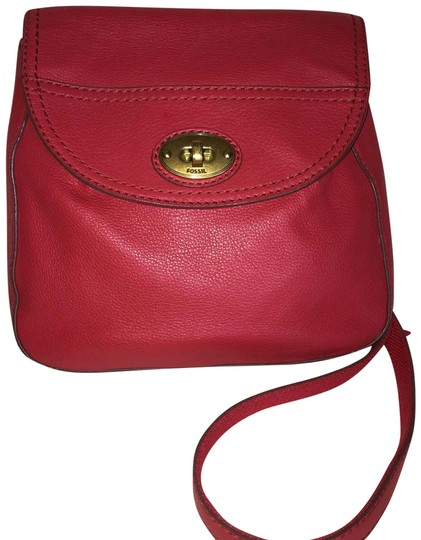 Preload https://img-static.tradesy.com/item/23016023/fossil-monogrammed-red-cowhide-leather-cross-body-bag-0-1-540-540.jpg