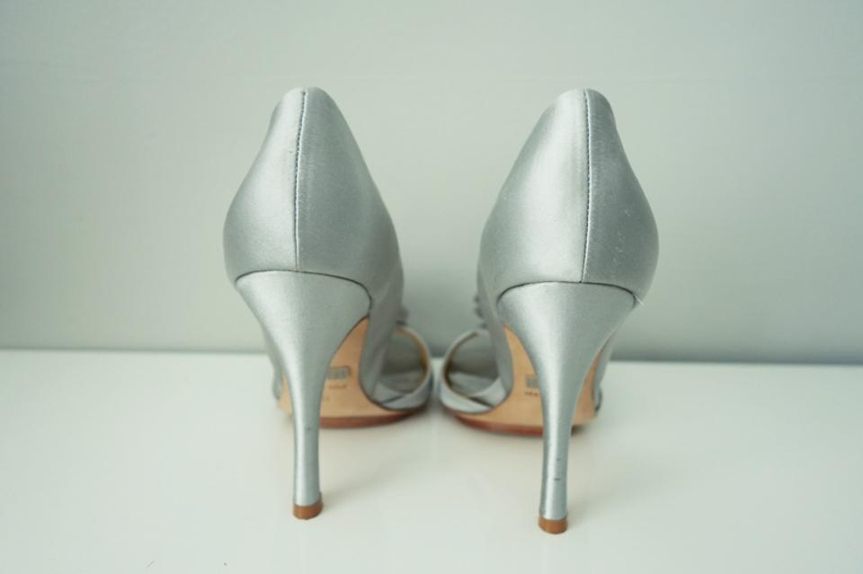 33610e20b3e7 Badgley Mischka Satin Prom Wedding Silver Pumps Image 10. 1234567891011
