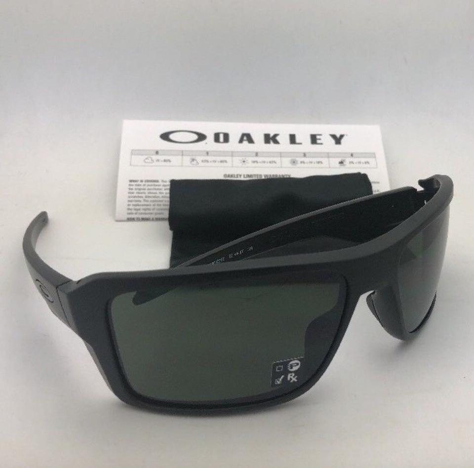 aa0a5fe8c5 Oakley New OAKLEY Sunglasses DOUBLE EDGE OO9380-0166 Matte Black Frame w Grey  Image. 123456789101112