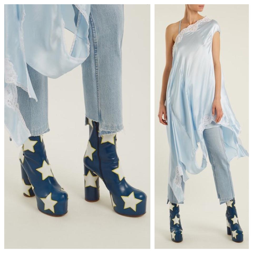 e15abe6349bef Vetements Blue Star Appliqué Block Heel Leather Ankle Boots/Booties Size EU  35 (Approx. US 5) Regular (M, B) - Tradesy