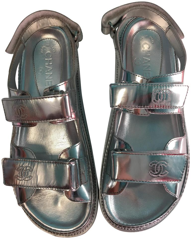 26f60d511 Chanel Silver Classic Metallic Patent Leather Strappy Cc Logo Flat Sandals.  Size  EU 39 (Approx. US 9) Regular ...