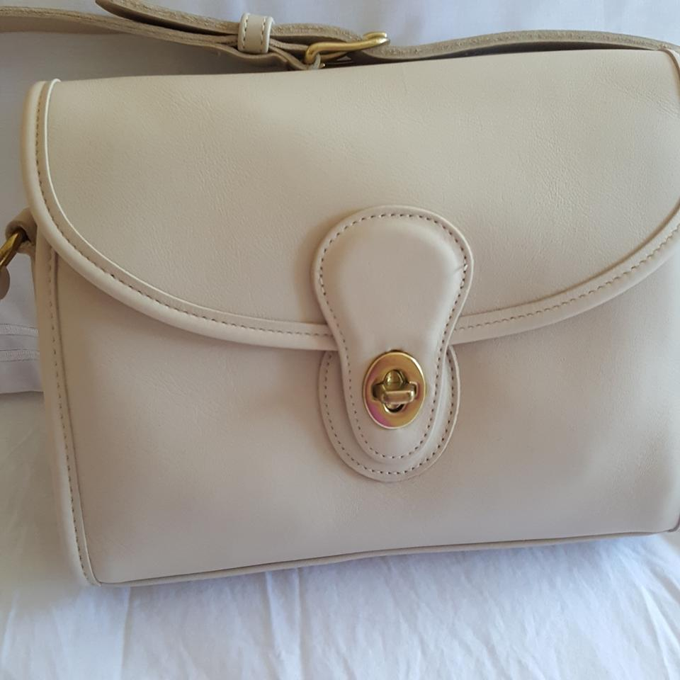 b9c91f44fe Coach Vintage 1995 Stored In Box. Cream; Off White. Leather Shoulder Bag