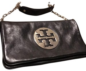 3581f4ba803e Tory Burch Clutches on Sale - Up to 70% off at Tradesy