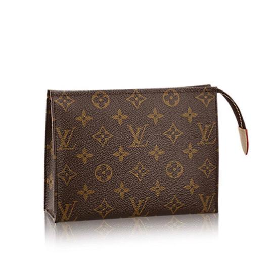Preload https://img-static.tradesy.com/item/23022612/louis-vuitton-monogram-toiletry-pouch-19-cosmetic-bag-0-1-540-540.jpg