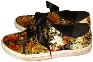 Dirty Laundry FLORAL Flats