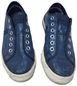 6863b41937a8 Blue Converse Sneakers - Up to 90% off at Tradesy