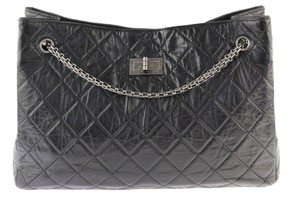 0b9b2e11b22116 Added to Shopping Bag. Chanel Tote in Black. Chanel 2.55 Reissue Shopping Black  Leather Tote