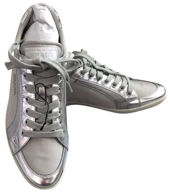 Item - Silver Grey Flat Sneakers Size EU 39 (Approx. US 9) Regular (M, B)