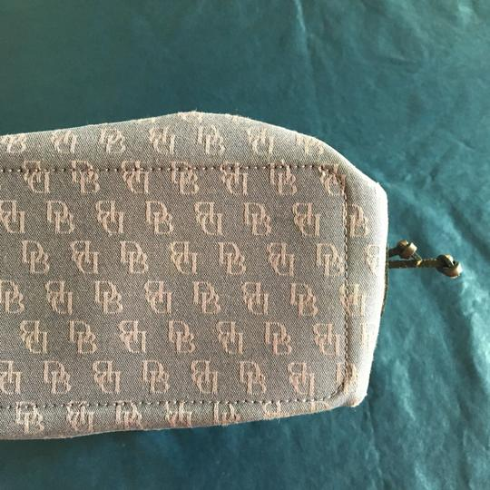 Dooney bourke small lavender outer signature cloth with for Outer cloth