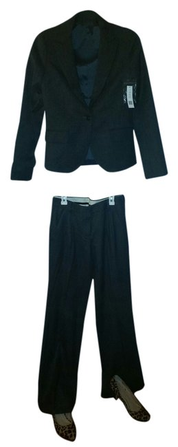 Preload https://item4.tradesy.com/images/theory-charcoal-new-hayward-style-50771124-pant-suit-size-2-xs-2302903-0-0.jpg?width=400&height=650