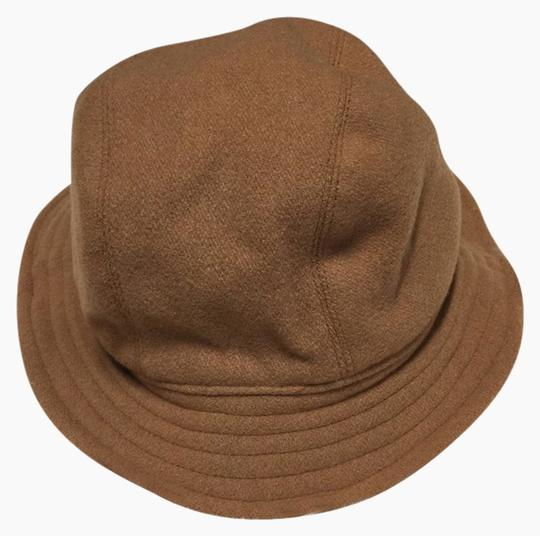 Preload https://img-static.tradesy.com/item/2303086/banana-republic-brown-fedora-hat-0-0-540-540.jpg