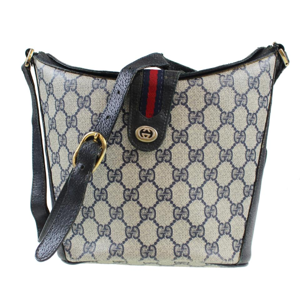 f8f68078c16 Gucci Bucket High-end Bohemian Rare Style Crossbody Shoulder Excellent  Vintage Satchel in navy ...