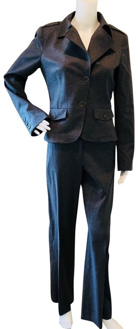 Preload https://img-static.tradesy.com/item/23033361/theory-gray-pant-suit-size-6-s-0-1-650-650.jpg