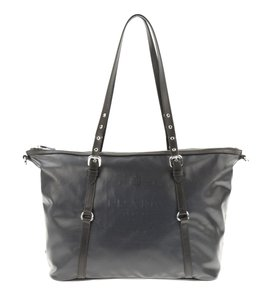 Prada Women Handbag Tote in Black