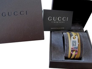 Gucci Gucci leather wrap watch