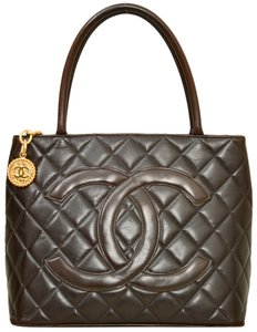 Chanel Black Quilted Lambskin A01804 Satchel in Brown
