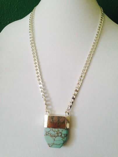 Other NWOT Turquoise Stone On Silver-Tone Chain Long Necklace