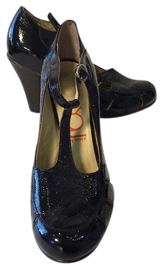 Preload https://item2.tradesy.com/images/you-by-crocs-pumps-2303911-0-0.jpg?width=440&height=440