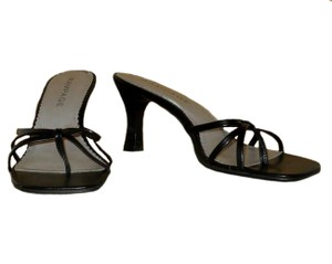 Rampage Leather Strappy Thong Heels Black Sandals
