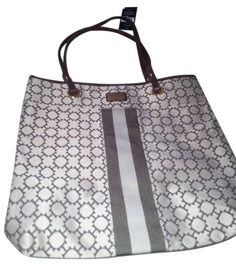 Preload https://item3.tradesy.com/images/tommy-hilfiger-sale-brown-and-white-cotton-poly-blend-tote-2304072-0-0.jpg?width=440&height=440