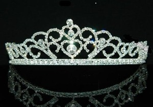 Classic Fairytale Crystal & Rhinestone Wedding Bridal Sweet 16 Quinceanera Tiara Headband