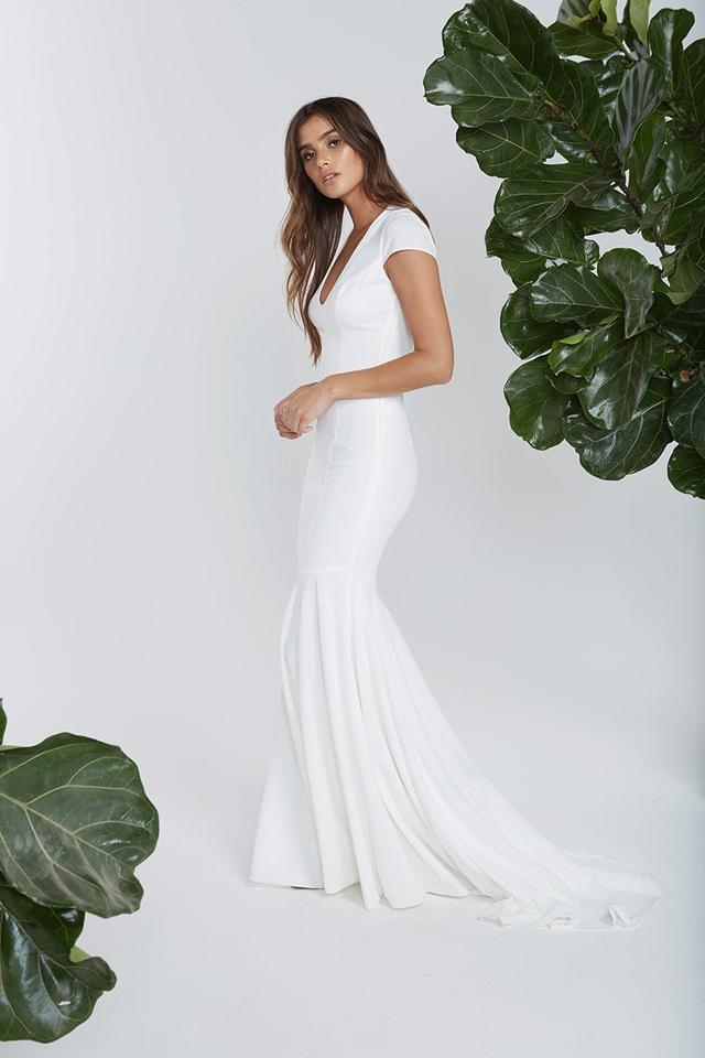 8f2a653c968 Katie May Ivory Stretch Crepe Josephine By Noel and Jean Modern Wedding  Dress Size 4 ...