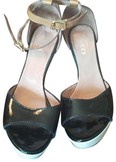 Item - Black and White and Tan Leather Classic Peep Toe Wedges Size US 6.5 Regular (M, B)